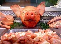 Россия может серьезно сократить импорт курятины и свинины