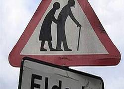 Пенсионеры Британии обиделись на дорожные знаки