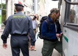 Журналиста-инвалида осудили за избиение милиционеров