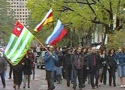 Россия  - спаситель государств, на которые нападает НАТО?