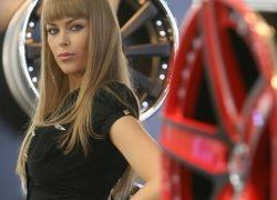 Лучшие девушки московского автосалона