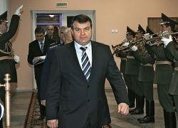 Сердюков усиливает влияние в политике и бизнесе