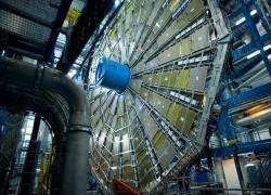 Эксперименты на адронном коллайдере будут безопасны
