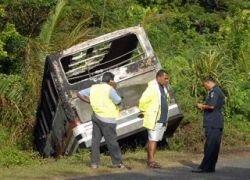В Фиджи ехавшие на похороны люди заживо сгорели в автобусе