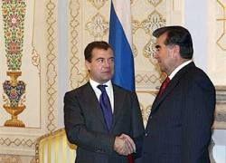 """Медведев пообещал Таджикистану \""""газовую независимость\"""""""