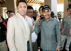 Оскар де ла Хойя закончит карьеру боем с «убийцей мексиканцев»