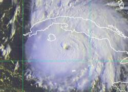 """Тропический шторм \""""Густав\"""" перерос в ураган"""