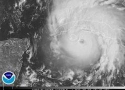 """Американские метеорологи объявили об ослаблении урагана \""""Густав\"""""""
