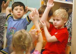 Маленькие дети, изучающие иностранный язык, чаще заикаются
