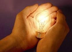 Ученые: Экономичные лампочки могут быть опасными для кожи