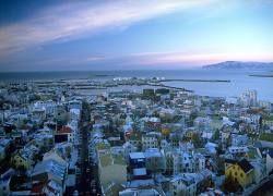 Что стоит за предложением России спасти Исландию от кризиса?