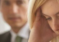 Измены вызывают стрессовые реакции и головную боль
