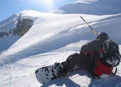 Скоро зима: что выбрать сноуборд или лыжи?
