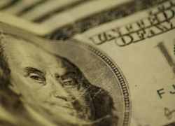 Отток капитала из РФ за два месяца составил $33 млрд