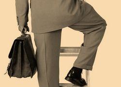 Топ-менеджеры строят карьеру на скандалах с работодателями