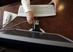 Медведев призвал узаконить голосование через интернет