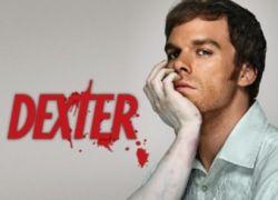 В поддержку сериала Dexter выставлены фальшивые газетные киоски