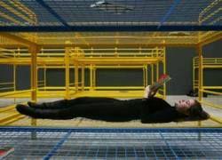 Французская художница заставила галерею Tate Modern кроватями