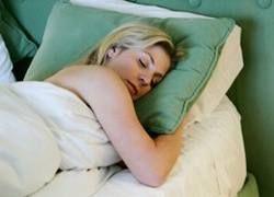 Ученые: Половина британцев перестала спать из-за кризиса