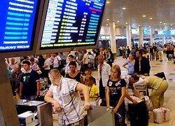 Сотни пассажиров неделю не могут вылететь из Домодедово