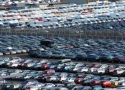 Уровень продаж легковых автомобилей постепенно падает