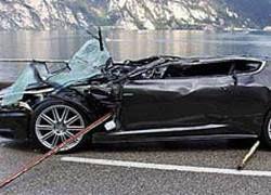 "Поклонник \""Бондианы\"" купил разбитый Aston Martin DBS за 350 000 долл"