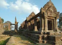 Вооруженные силы Камбоджи и Таиланда стягиваются к границе