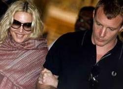Мадонна наняла адвоката Маккартни и принца Чарльза