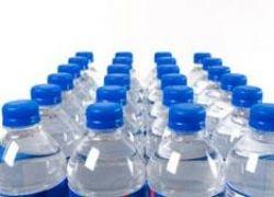 В США вода в пластиковых бутылках - не чище водопроводной