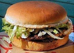 Житель США съел 9-килограммовый гамбургер