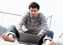 Молодые мужчины не могут без интернета