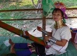 Фоторепортаж из племени длинношеих каренов