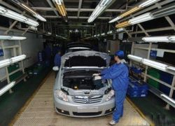 """Российское правительство \""""выдавливает\"""" китайских производителей"""