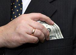 Россиян стала меньше волновать борьба с коррупцией. На первом месте - цены и инфляция