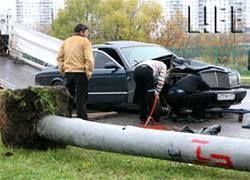 Bentley потеряла управление из-за того, что водитель чихнул
