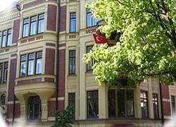 В Хельсинки подожгли турецкое посольство