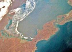 МИД Украины запретил строить мост через Керченский пролив