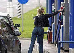 Бензин на столичных АЗС так и не подешевел