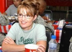 Сара Пэйлин оплачивала поездки с детьми из бюджета Аляски