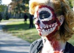 Ежегодная прогулка зомби по Торонто