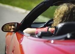 Британских автомобилисток губят каблуки
