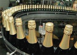 На волне кризиса в России началось сокращение производства алкоголя