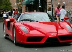 Ferrari на скорости 320км/ч