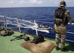 Французские военные арестовали восемь сомалийских пиратов