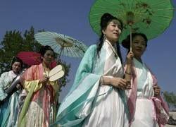 В Китае переселяют деревню, чтобы ее жители смогли найти себе жен