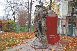 Воина-освободителя демонтировали в Таллине. А теперь и в Серпухове
