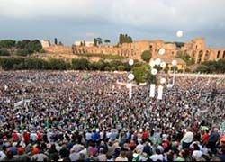 Итальянцы массово протестуют против правительства Берлускони