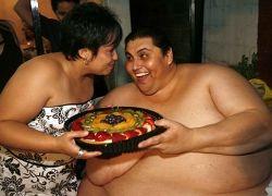Самый толстый человек в мире женился