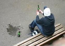 Более трех миллионов россиян являются наркоманами и алкоголиками