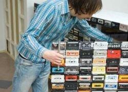 Самодельный комод из 918-ти аудиокассет